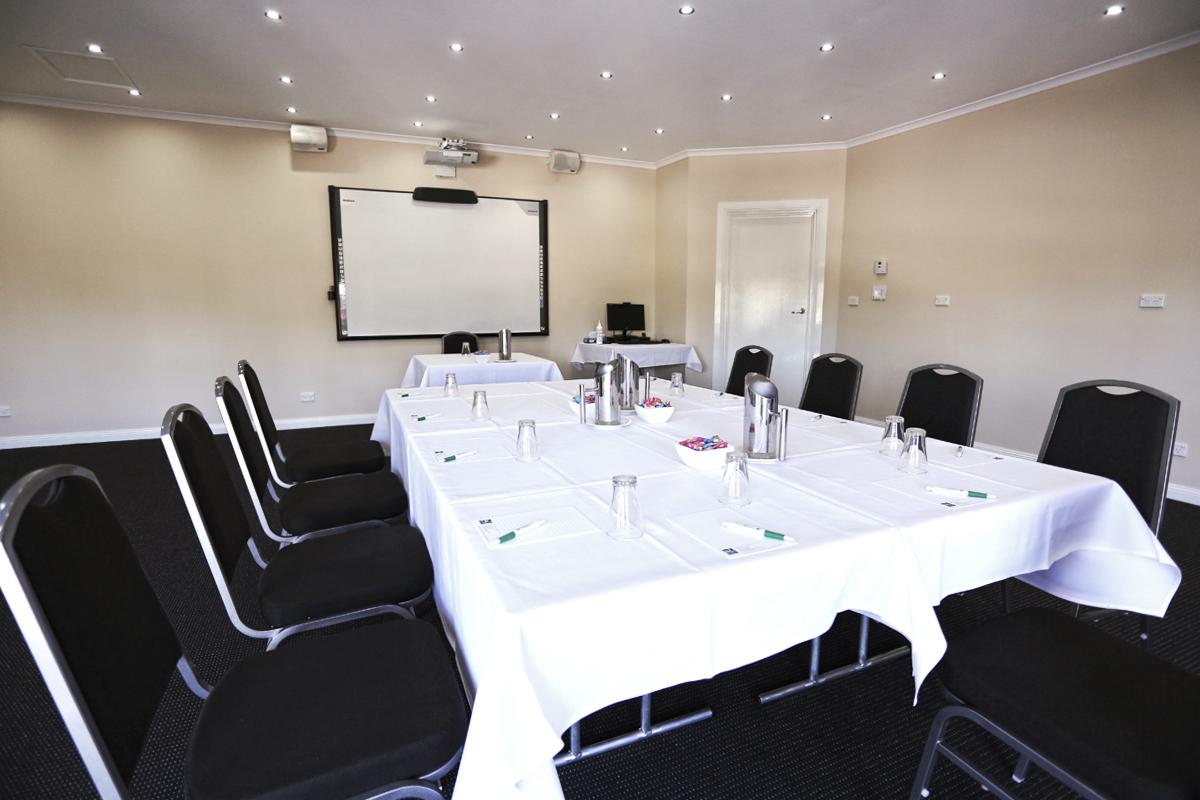 The-Oaklands-Boardroom